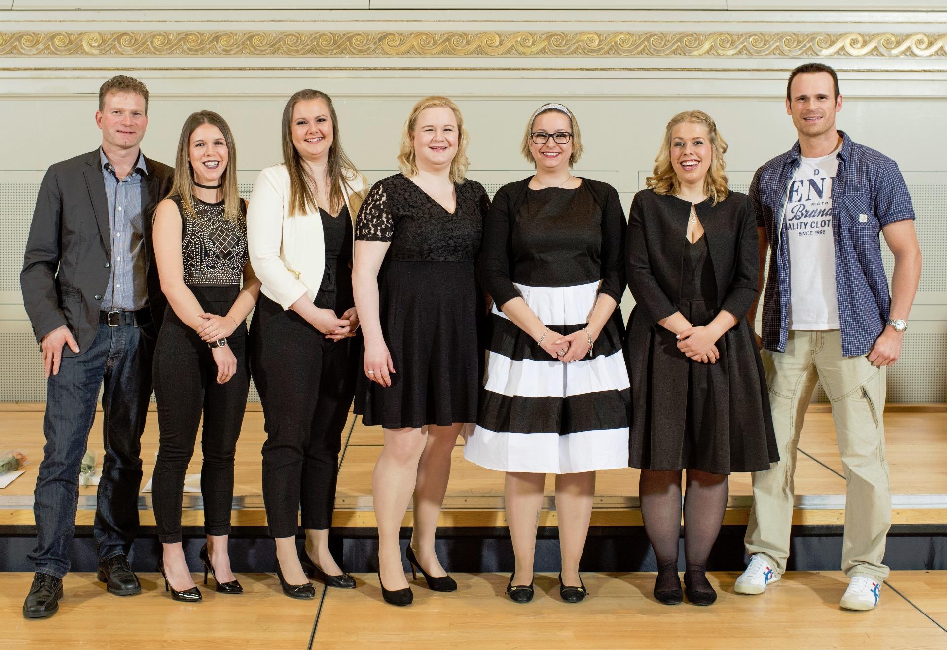 März 2018 Die Erfolgreichen Absolventinnen Und Absolventen Feusi